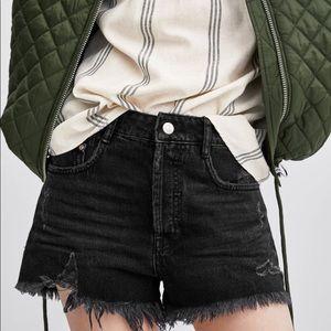 Zara High Rise Ripped Black Denim Shorts, 4 (NWOT)
